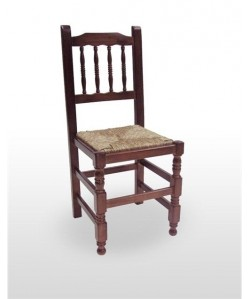 Silla de madera de pino CASTEL, asiento enea, barnizado a elegir
