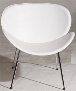 Sillón de diseño NEBRO, cromado, tapizado blanco.*