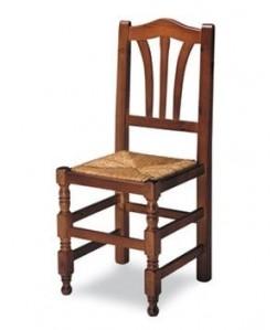 Silla de madera de pino Rf. 315125, asiento enea, barnizada