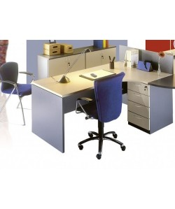 Mesa angular, 160x140 cms. Color a elegir.