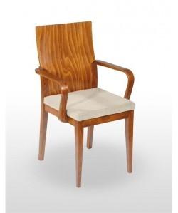 Sillón BERMO de madera de haya barnizado color coñag, tapizado a elegir.*