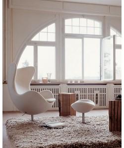Sillón EG 66OT, con ottoman, tapizado similpiel blanco roto
